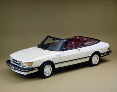 Saab 900, copyright Saab Automobile AB